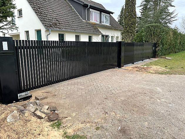 Lamellen poort en Hekwerk Ringe - Hoving Hekwerk B.V. Stadskanaal