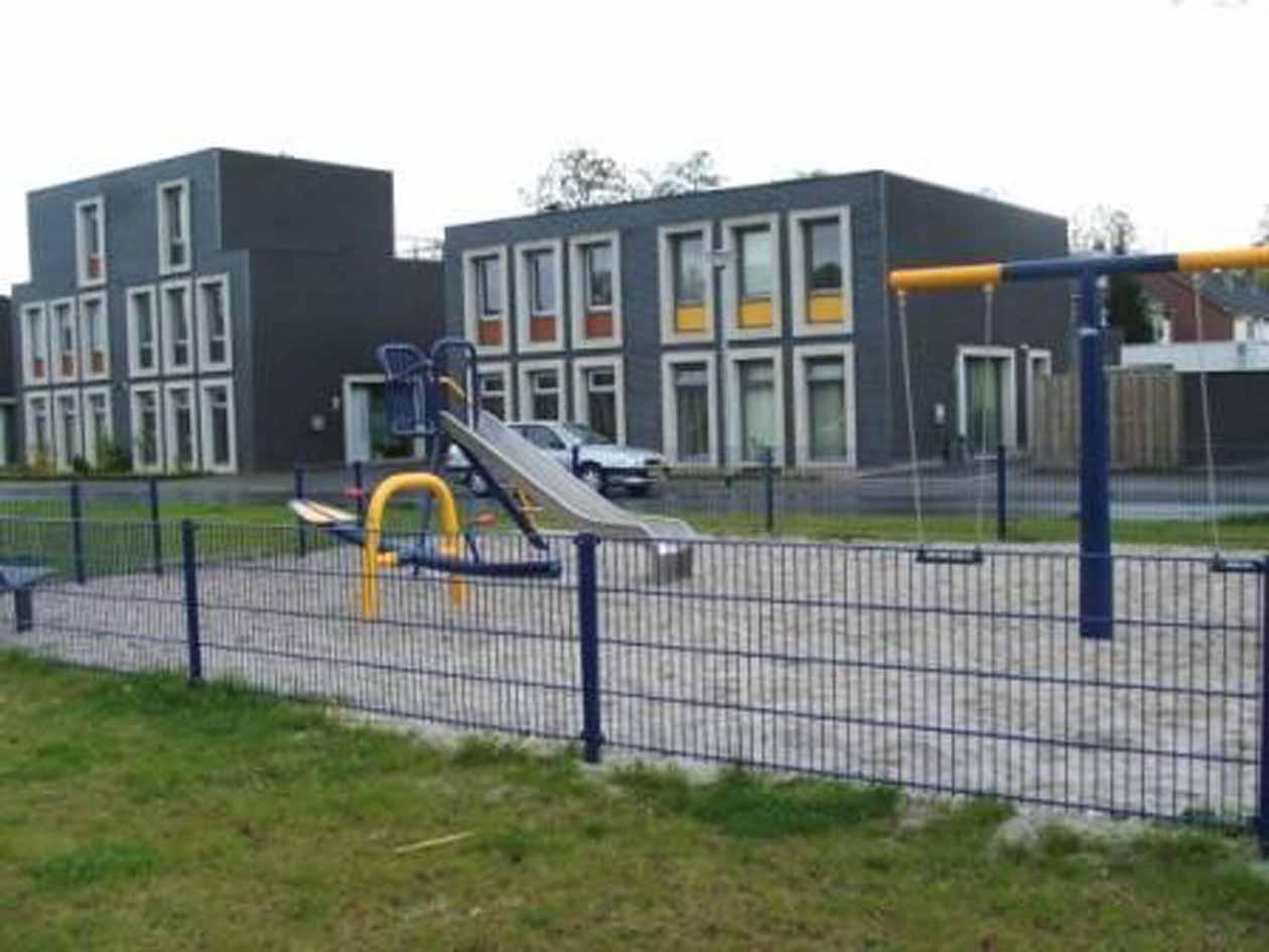 Speelveld met dubbelstaafmatten Hoving Hekwerk B.V. Stadskanaal