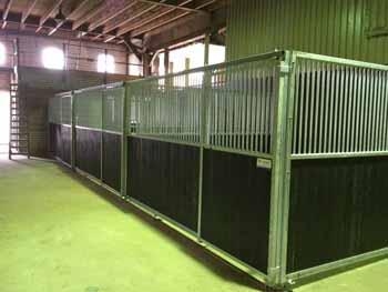 Gegalvaniseerde paardenbox - Hoving Hekwerk B.V. Stadskanaal