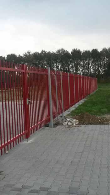 Schuifpoort Spijlhekwerk Doorgestoken spijl Hoving Hekwerk B.V. Stadskanaal