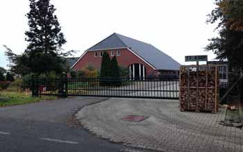 Sierschuifpoort Sierpoort Vrijdragende schuifpoort Hoving Hekwerk B.V. Stadskanaal